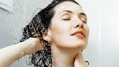 Photo of غسل الشعر يومياً عادة مضرة أم مفيدة؟