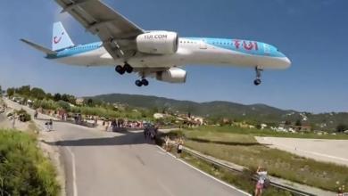 Photo of محرك طائرة يقذف صبيا لمسافة 32 قدما
