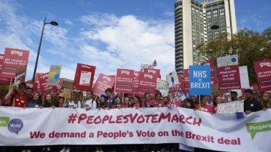 "Photo of نحو مليون بريطاني يطالبون بإجراء استفتاء ثانٍ على ""بريكست"""