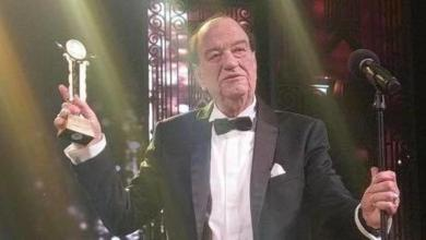 Photo of لماذا بكى حسن حسني في افتتاح مهرجان القاهرة السينمائي؟