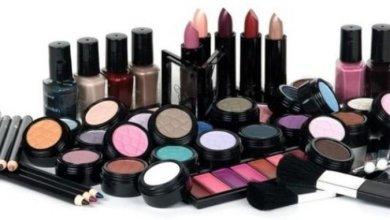 Photo of دراسة: مستحضرات التجميل تسبب البلوغ المبكر للفتيات