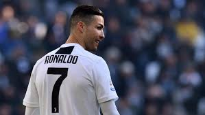 Photo of رونالدو أفضل لاعب في التاريخ.. وهذه هي الأسباب