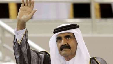 Photo of قطر.. سيلفي الأمير الوالد مع مقيمين هنود يثير جدلا