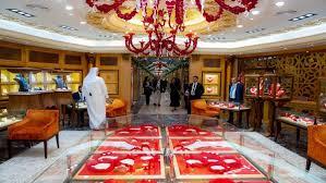Photo of معرض قطر للمجوهرات والساعات.. رحلة إلى قلب الجمال