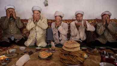 Photo of الصين.. إجبار مسلمين على أكل لحم الخنزير وشرب الكحول
