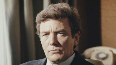 Photo of رحيل الممثل البريطاني ألبرت فيني عن عمر يناهز 82 عاماً