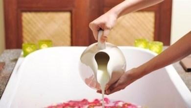 Photo of حمام الحليب على طريقة كليوباترا لترطيب البشرة الجافة