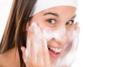 Photo of 8 أخطاء عليك تجنبها أثناء تنظيف وجهك