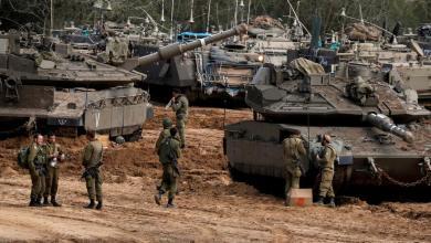 Photo of إسرائيل تعيد فتح المعابر مع قطاع غزة