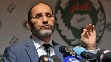 Photo of أكبر حزب إسلامي بالجزائر يقرر مقاطعة جلسة البرلمان غدا