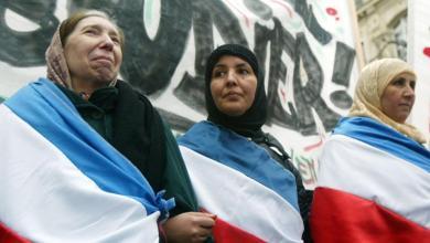 Photo of هذا ما يحدث لأسماء المهاجرين إلى فرنسا