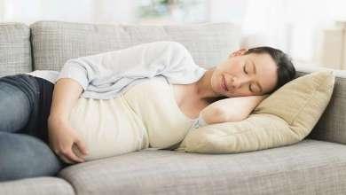 Photo of لماذا يجب على الحوامل النوم على أحد الجانبين؟