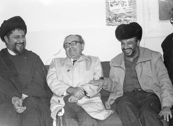 ياسر عرفات ورئيس الحكومة اللبنانية الراحل رشيد الصدر مع الإمام موسى الصدر