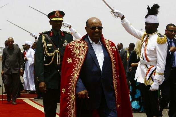لماذا تُشجّع إسرائيل واشنطن على دعم نظام البشير في السودان؟