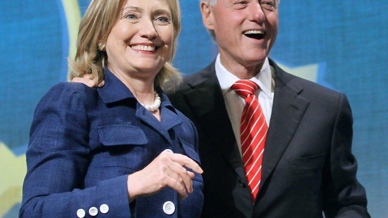 هيلاري كلينتون.. طلاق بعد الهزيمة؟