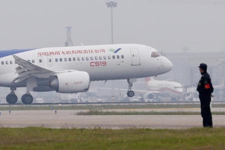 """نجاح أول رحلة لطائرة """"سي 919"""" الصينية"""