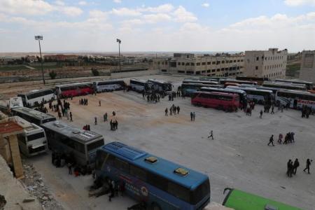 """سوريا: إجلاء جرحى من """"جبهة النصرة"""" من مخيم اليرموك"""