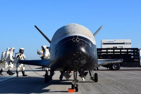 طائرة فضائية أميركية تهبط بعد مهمة سرية لعامين