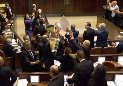 المحكمة العليا ترفض التماساً ضد قانون يسمح بتجريد عضو كنيست من عضويته
