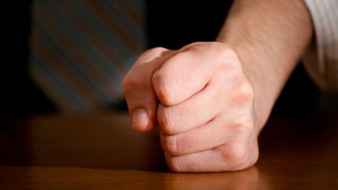 ما علاقة قبضة اليد القوية بالذاكرة؟