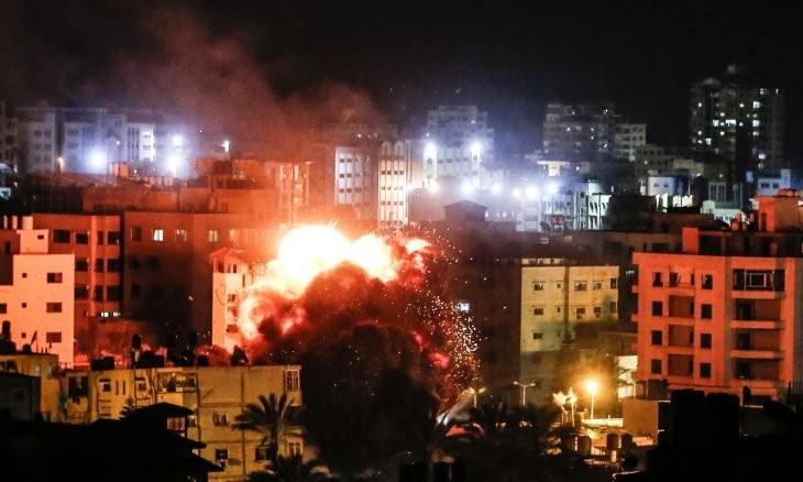 طائرات حربية إسرائيلية تشن غارات على قطاع غزة