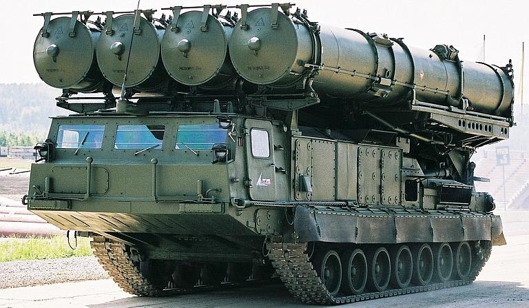 """فنزويلا تنشر صواريخ """"أس – 300 في أم"""" متطورة وسط تهديدات أميركية"""
