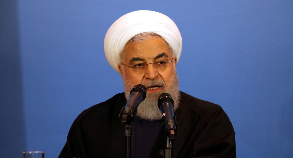 """روحاني لبريطانيا: لا يمكن فتح """"هرمز"""" أمام سفنكم وإغلاق """"جبل طارق"""" بوجه السفن الإيرانية"""