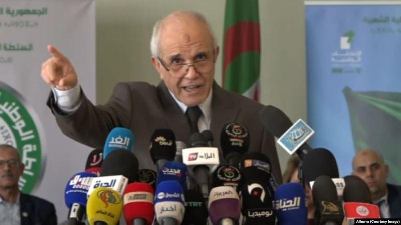 خمسة مرشحين يخوضون انتخابات الرئاسة في الجزائر الشهر المقبل