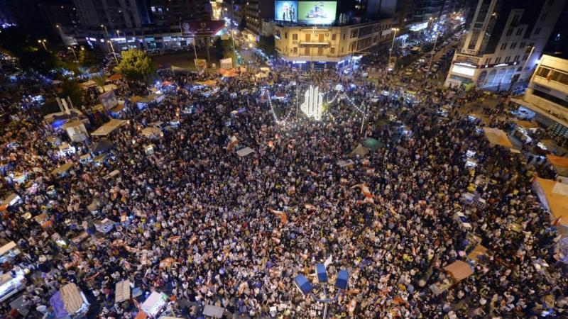 """مصادر: الأزمة في لبنان وصلت إلى طريق مسدود وحزب الله يقول """"لا تُلوى ذراعنا"""""""