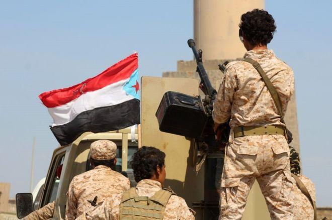 مقتل 6 على الأقل في تفجير استهدف عرضا عسكريا باليمن