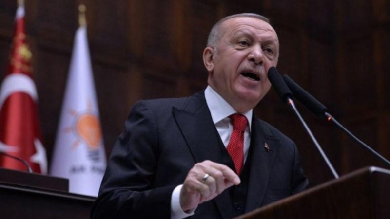 أردوغان يطالب القوات السورية بالانسحاب ويقول إن خسائرها مجرد بداية
