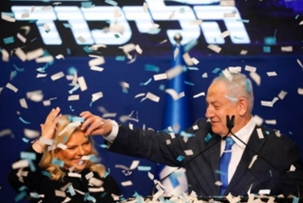 يديعوت أحرونوت: المحكمة الإسرائيلية العليا تنقذ بنيامين نتنياهوب