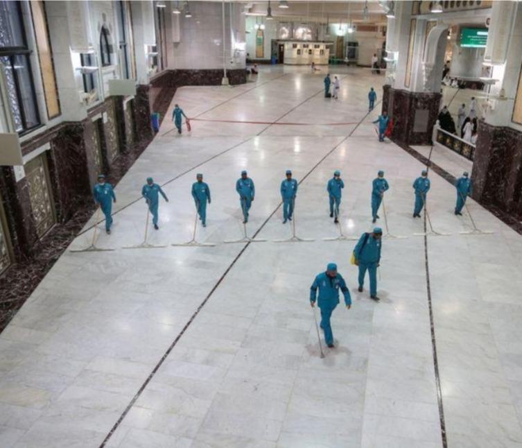 تلفزيون رسمي: السعودية تعيد فتح الحرمين بعد إغلاقهما مؤقتا لتعقيمهما