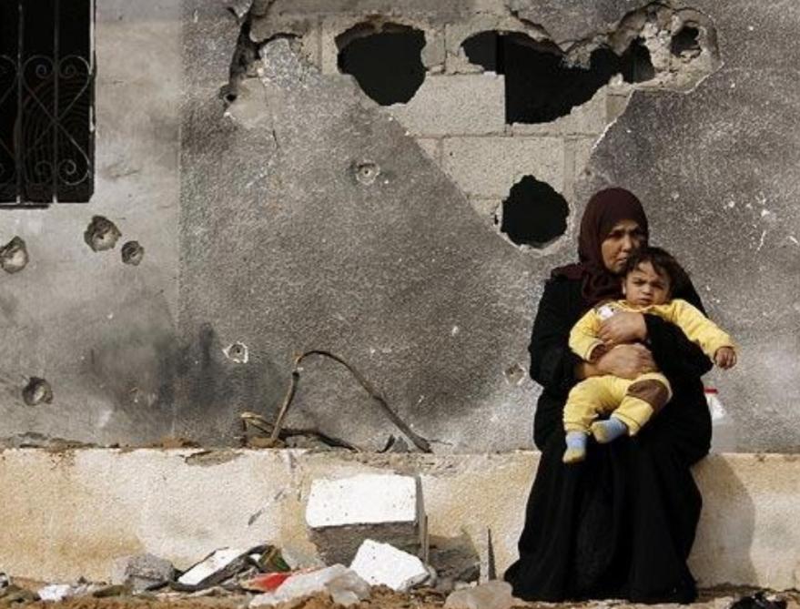 يوم المرأة العالمي بين قيود التقاليد وقمع الاحتلال في فلسطين