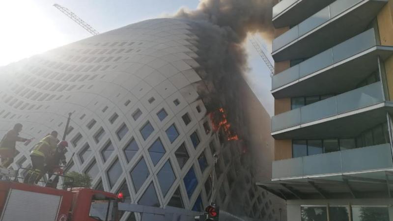 """""""شيء غريب"""".. حريق آخر في بيروت يثير فزع السكان الساخطين"""