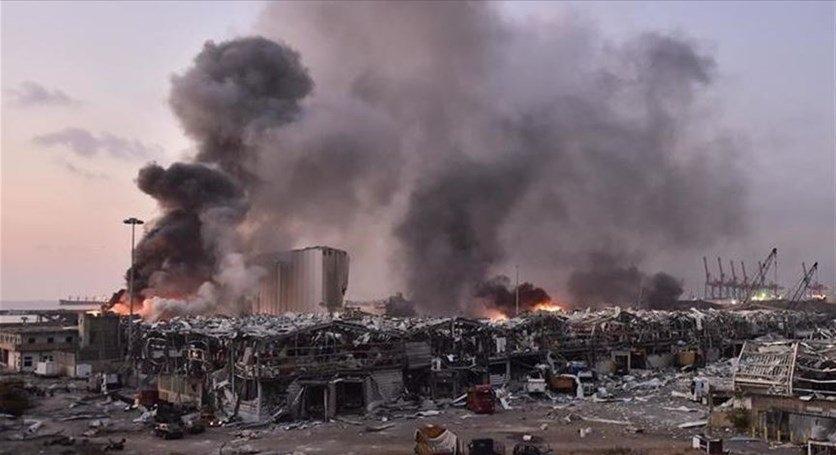 الخبراء الأجانب يغادرون بيروت مع عينات من موقع الانفجار
