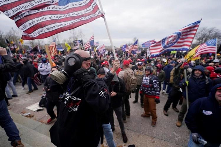 """""""واشنطن بوست"""": رغم هجوم الكابيتول، فإن نظامنا الديمقراطي يعمل"""