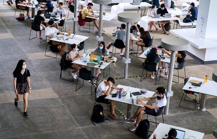 كيف أبقت سنغافورة الوباء خارج جامعاتها؟