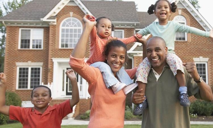 الأميركيون السود يتخلفون أكثر عن دفع الرهون العقارية نتيجة الوباء