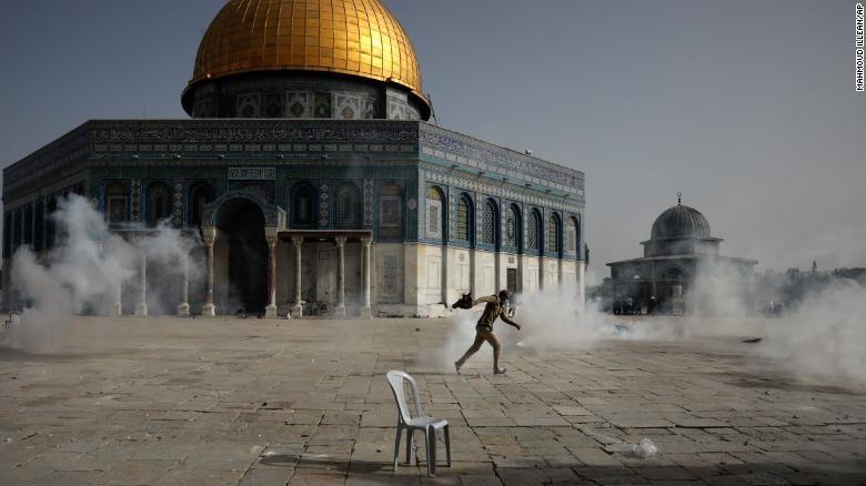 إسرائيل تهدد باجتياح قواتها البرية لغزة
