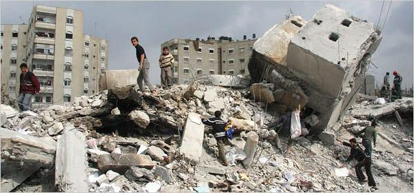 أكثر من 67 شهيداً بينهم 17 طفلاً ضحايا العداون الإسرائيلي على غزة