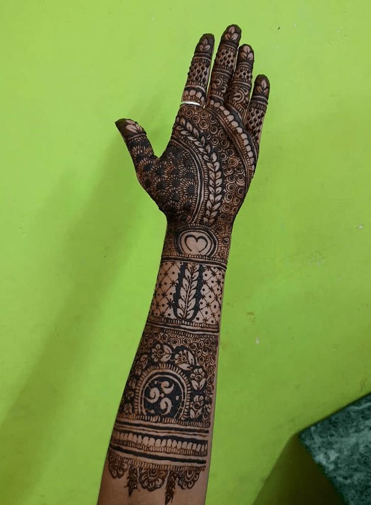 Captivating Abu Dhabi Henna Design