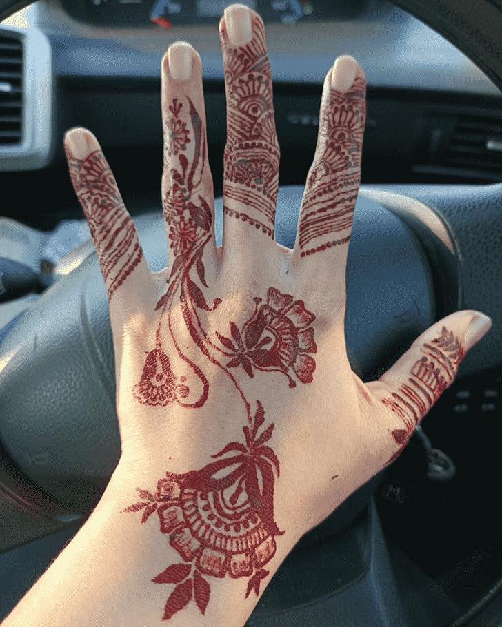 Beauteous Actor Henna Design