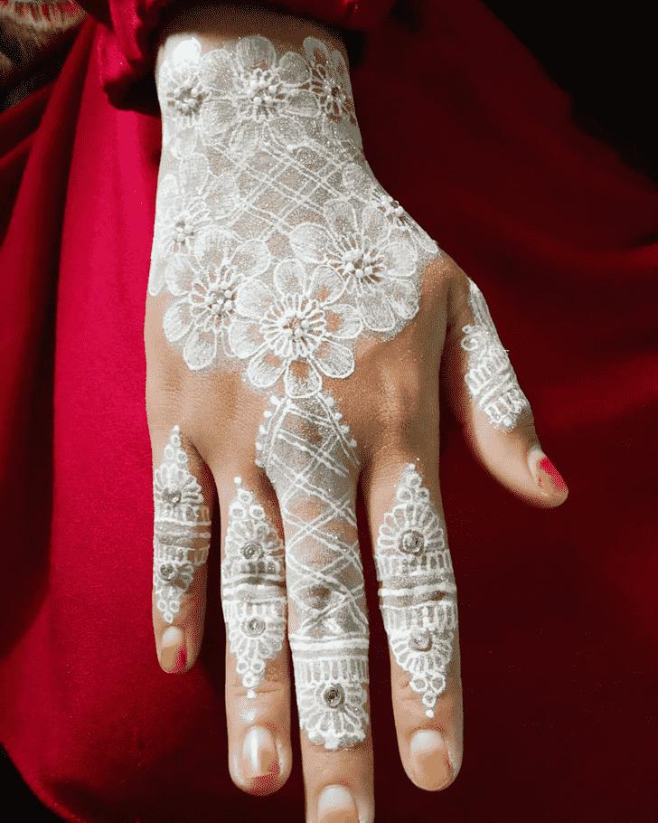 Bewitching Actor Henna Design