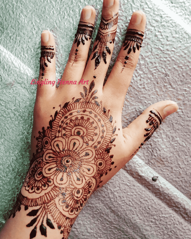 Captivating Actor Henna Design