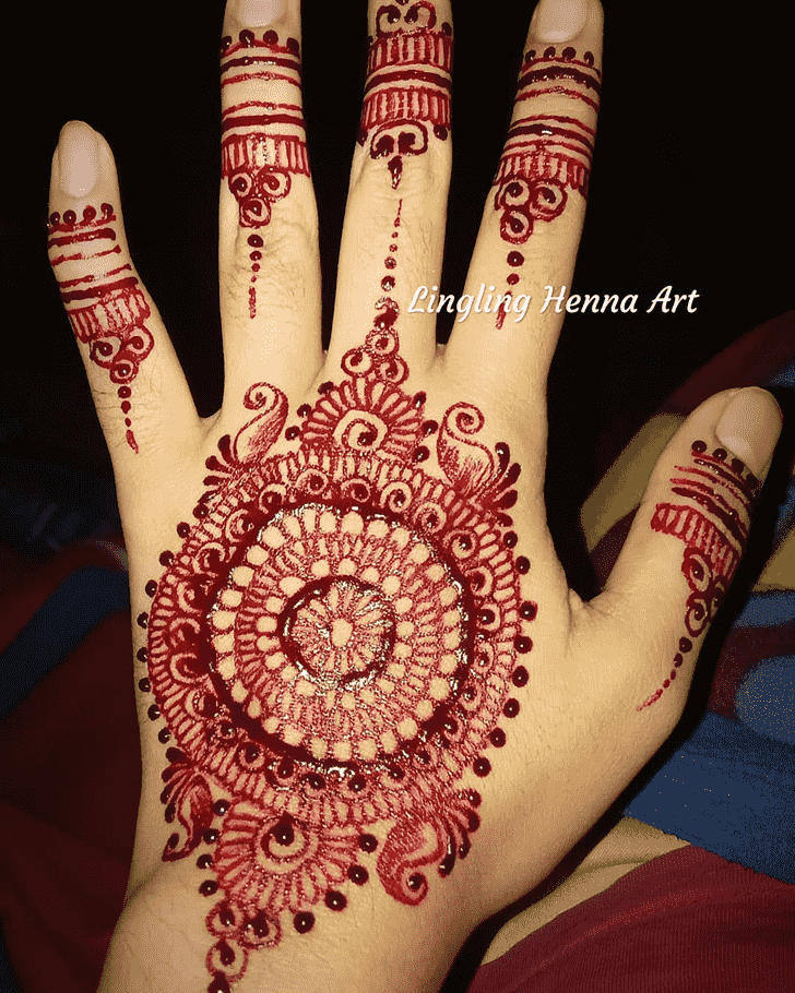 Classy Actor Henna Design
