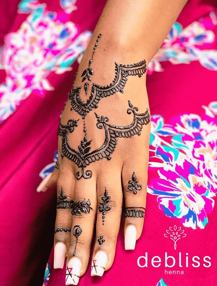 Bewitching Adorable Henna design
