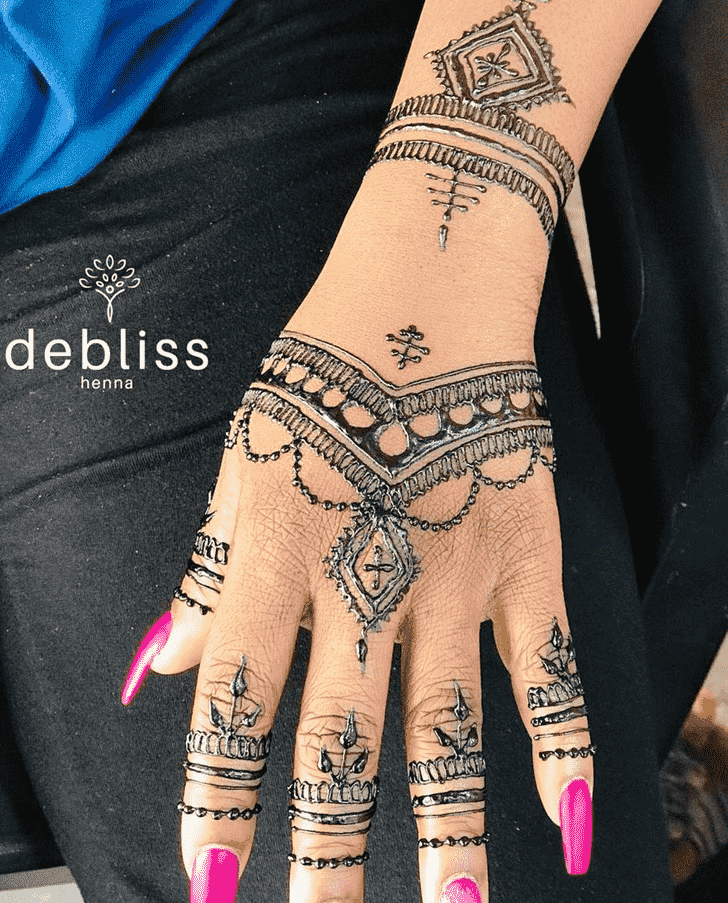 Captivating Adorable Henna design
