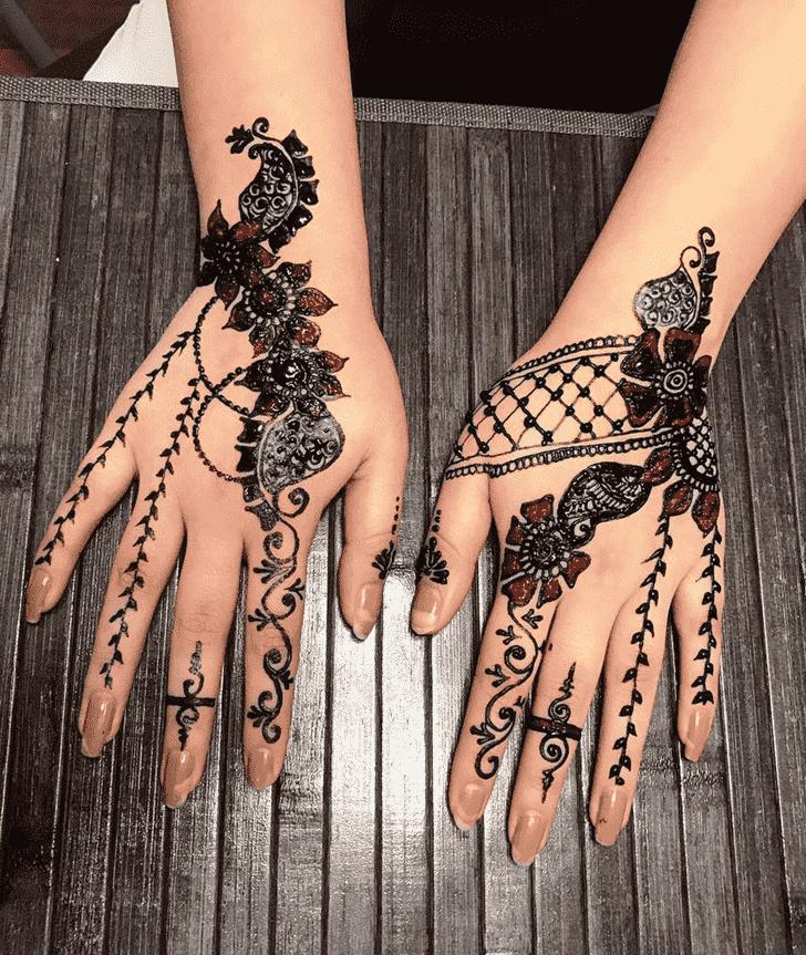 Enticing Adorable Henna design