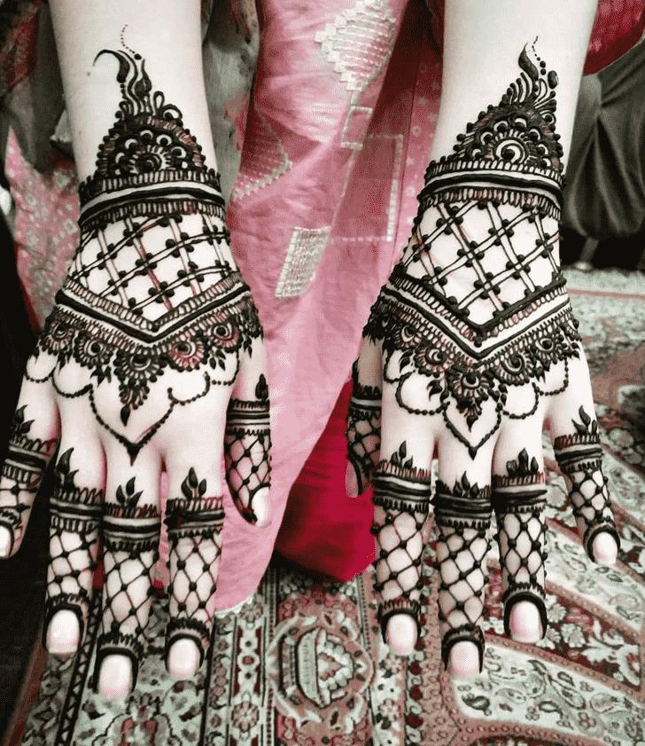 Fetching Adorable Henna design